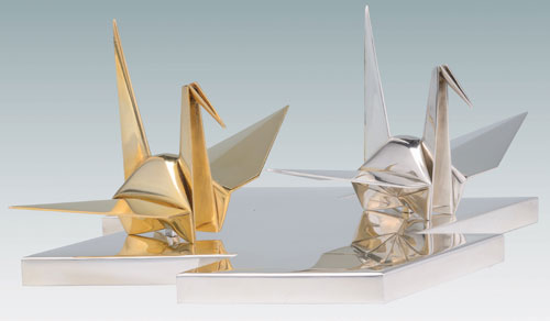 Chikueido Eishin II (also known as Nakamura Kenji, 1895–1970). <em>Okimono of Pair of Origami Cranes</em>, 1930s. Gilt silver, 4⅛ × 11¼ × 7⅝ in. This exhibition is organized and circulated by Art Services International, Alexandria, Virginia.