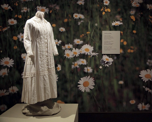 Reproduction of Emily Dickinson's white dress.          Circa 1878-82, Emily Dickinson Museum Collection.        Original, Amherst History Museum collection.