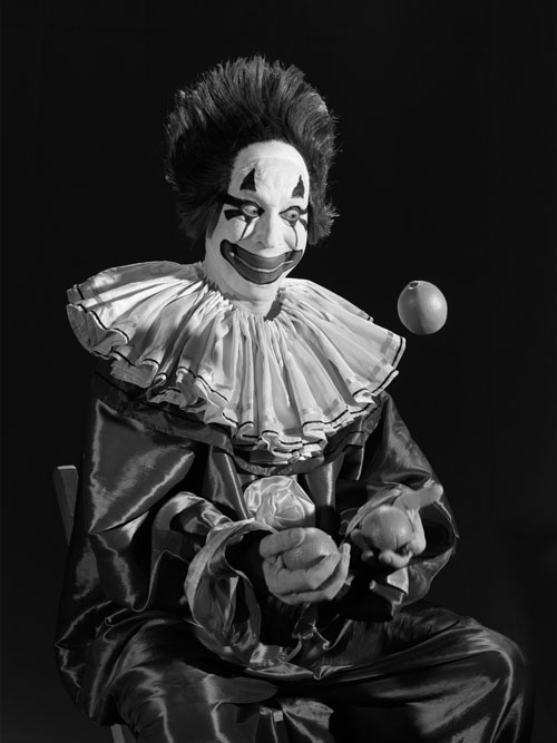Stan Douglas. Clown, 1946, 2010. Digital fibre print mounted on Dibond aluminium, 151.1 x 121.9 x 5.1 cm. Courtesy the artist, David Zwirner New York/London, and Victoria Miro, London.