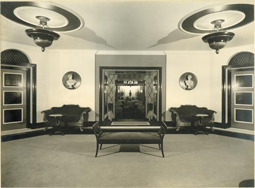 Lobby of the Carlyle, circa 1930. Courtesy Collection of Dorothy Draper & Co. Inc., The Carleton Varney Design Group.