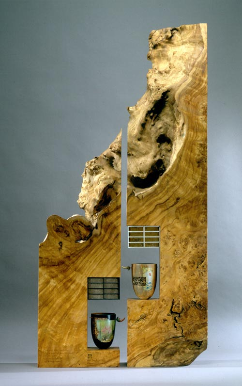 Binh Pho, <em>Heaven and Earth</em>, 2003. Wood, paint 33 x 24 in. Collection of the Museum of Arts and Design, Gift of Robert M. Bohlen. Photo: Maggie Nimkin