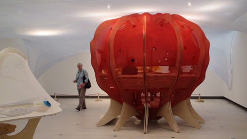 Ernesto Neto. <em>Circleprototemple, The Edges of the World,</em> 2010 (view 2). Installation at Hayward Gallery, London. Photograph: Miguel Benavides.