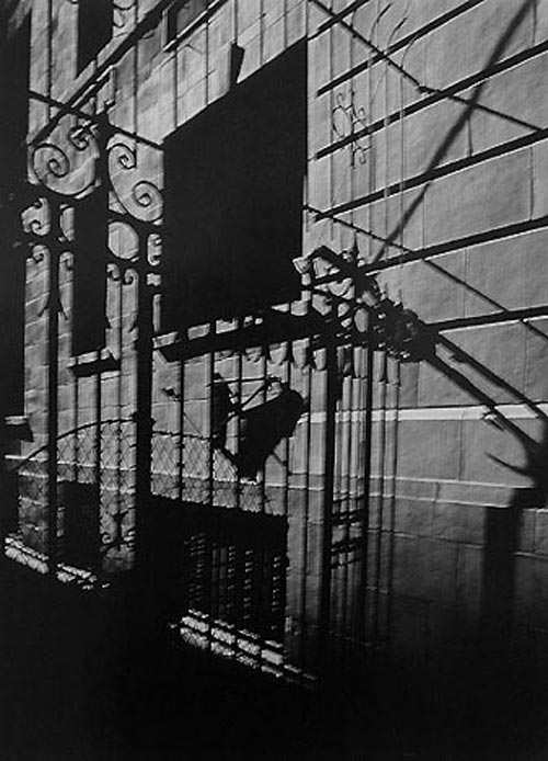 Fan Ho. <em>Ray K Metzker</em>. Philadelphia, 1996. Courtesy Laurence Miller Gallery, New York.