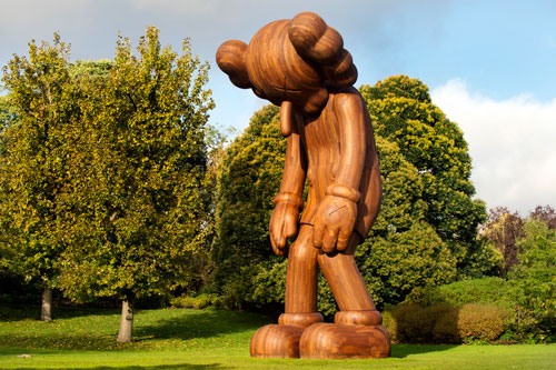 KAWS. Small Lie, 2013. Galerie Perrotin. Photograph: Linda Nylind. Courtesy of Linda Nylind/Frieze, 2014.