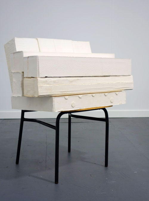 Rachel Whiteread. Sit, 2006. Plaster, wood and steel (7 units), 78 x 72.5 x 52 cm. Galleria Lorcan O'Neill Roma .