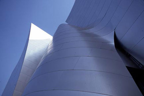 Exterior view, Walt Disney Concert Hall. Designed by Frank Gehry. Courtesy of the Los 