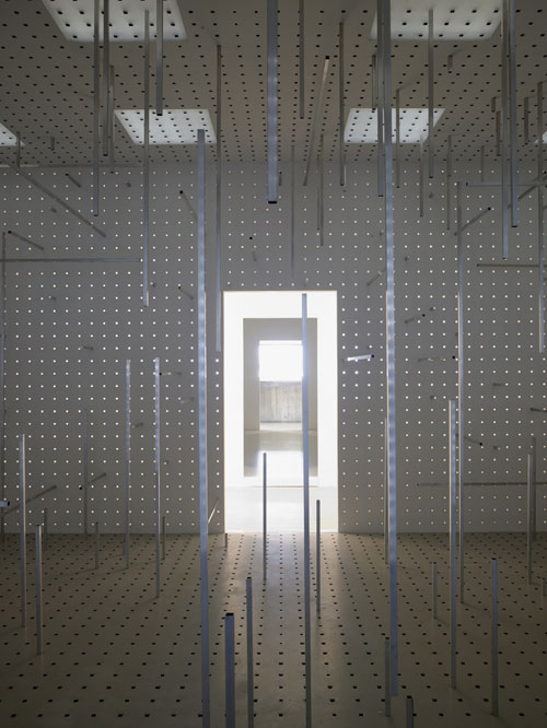 Antony Gormley. <em>Hatch</em>, 2007. Copyright the artist. Photograph: Stephen White.
