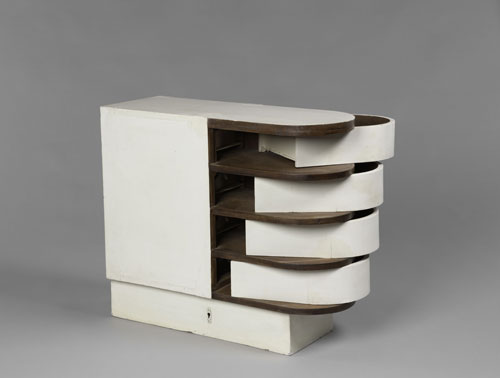 Eileen Gray. Cabinet with pivoting drawers, circa 1926-1929. Painted wood. Piece of furniture from the E1027 villa. Centre Pompidou, Musée national d'art moderne, Paris. Purchase, 1992.