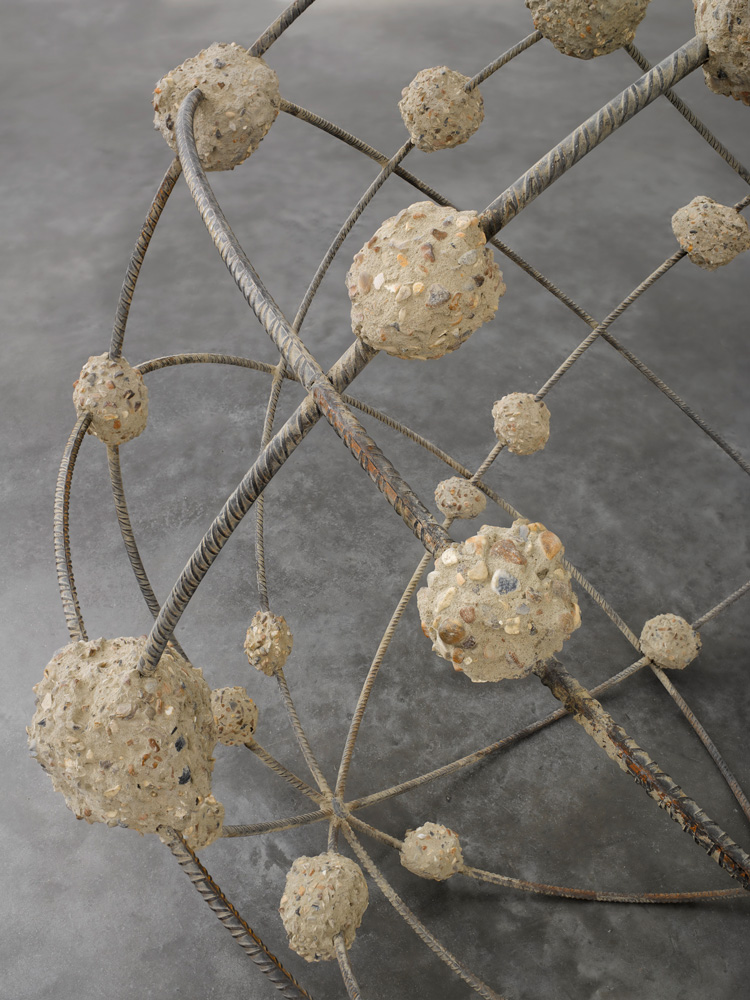 Mona Hatoum, Orbital I (detail), 2018. Rebar and concrete, diameter: 140 cm © Mona Hatoum. Photo © White Cube (Ollie Hammick).