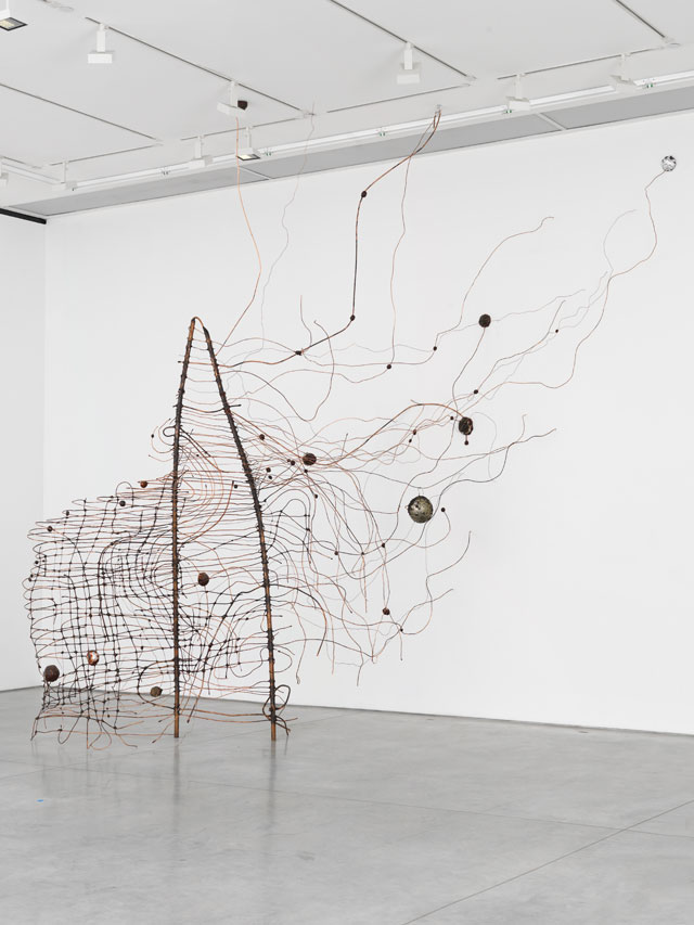 Jay Heikes. Death Spiral, 2017. Copper, wax, aluminium foil, steel, steel slag, 216 x 168 x 120 in (548.6 x 426.7 x 304.8 cm). Courtesy of the artist and Marianne Boesky Gallery, New York and Aspen. © Jay Heikes. Photograph: Jason Wyche.