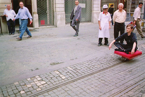 HeHe. Tapis Volant, 2005. Performance in Istanbul.