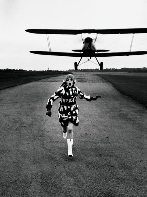Helmut Newton. British <em>Vogue</em>, London, 1967. © Helmut Newton Estate.
