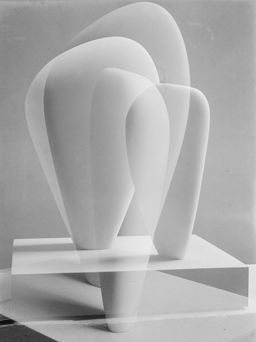 Barbara Hepworth. Double Exposure of Two Forms, 1937. Photograph, gelatin silver print on paper. Private collection © The Hepworth Photograph Collection.