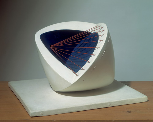 Barbara Hepworth. Sculpture with Colour (Deep Blue and Red) (6), 1943. © Bowness.