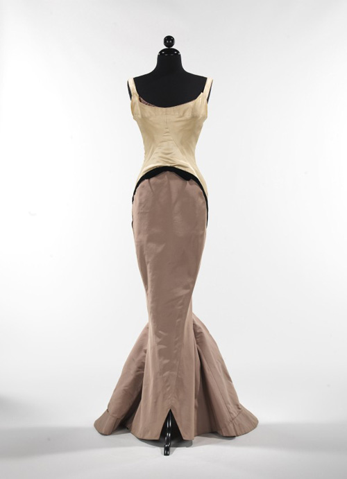 Charles James (American, born England, 1906–1978). <em>Evening Dress</em>, 1957. American. Silk. The Brooklyn Museum Costume Collection at the Metropolitan Museum of Art.