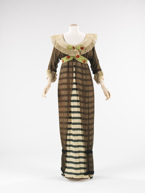Paul Poiret (French 1879–1944). <em>Evening Dress</em>, 1910. French. Silk, linen.  The Brooklyn Museum Costume Collection at the Metropolitan Museum of Art.