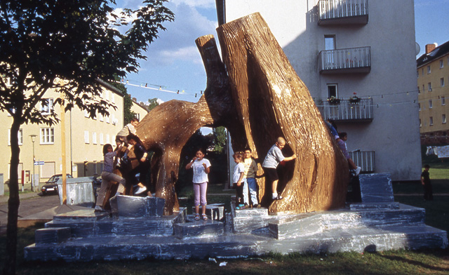 Thomas Hirschhorn. Bataille Monument, 2002 (Sculpture). Documenta 11, Kassel, 2002. Photograph: Werner Naschmann. Courtesy Gladstone Gallery, New York.