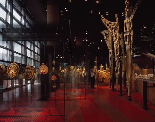 Musée du quai Branly, Paris, Frankrig AJN; Ateliers Jean Nouvel. Interior view. Photo: Philippe Ruault  © Philippe Ruault