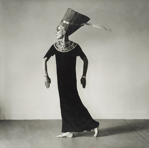 Peter Hujar. Ethyl Eichelberger as Nefertiti (III), 1979. © 1987 The Peter Hujar Archive LLC. Courtesy Maureen Paley, London; Pace/MacGill Gallery, New York.