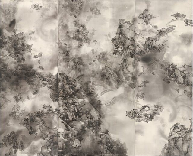 Tai Xiangzhou. Celestial - Placeless Timeless, 2017. Ink on silk, 240 x 300 cm. Photograph: Miguel Benavides.