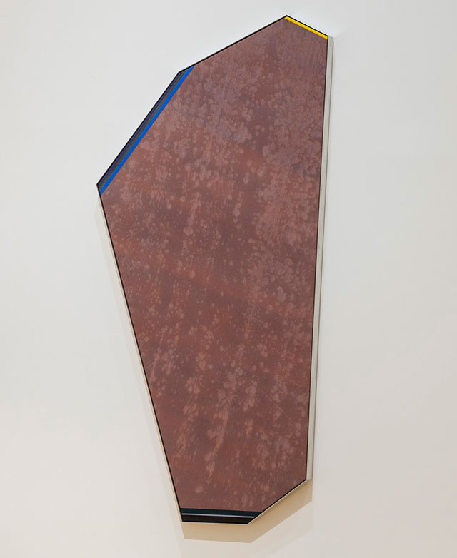 Kenneth Noland. Egyptian Cryptic, 1978. Acrylic on canvas, 251.5 x 111.8 cm.