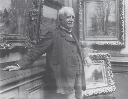Photograph of Paul Durand-Ruel in his gallery, taken by Dornac, c1910. Archives Durand-Ruel © Durand-Ruel & Cie.
