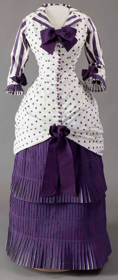 Summer day dress worn by Madame Bartholomé in Albert Bartholomé's painting In the