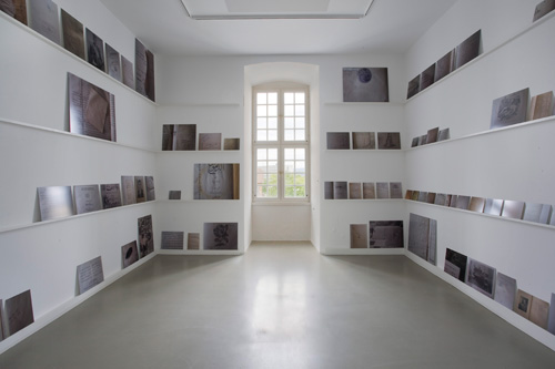 Emily Jacir. ex libris, 2010-2012. Installation, public project and book. Commissioned and produced by dOCUMENTA (13) with the support of Alexander and Bonin, New York and Alberto Peola Arte Contemporanea, Torino. Photograph: Roman März.