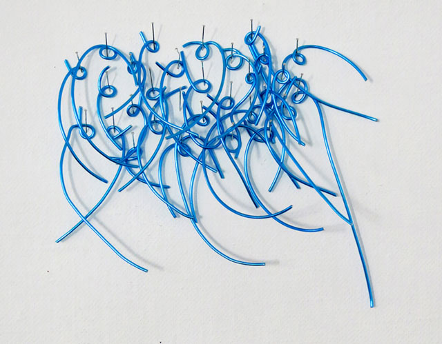 Clare Jarrett. Writing (blue), 2016. Wire, 10 x 10 cm.