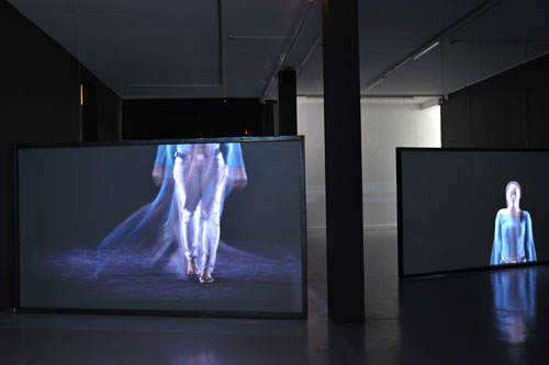 Joana Hadjithomas and Khalil Joreige. It's all real / Tout est vrai : Sasha, 2014. Installation vidéo, 2 projections synchronisées HD, 4 min 23 sec, 2014. Courtesy des artistes et galeries In Situ Fabienne Leclerc (Paris), CRG (New York), The Third Line (Dubai).