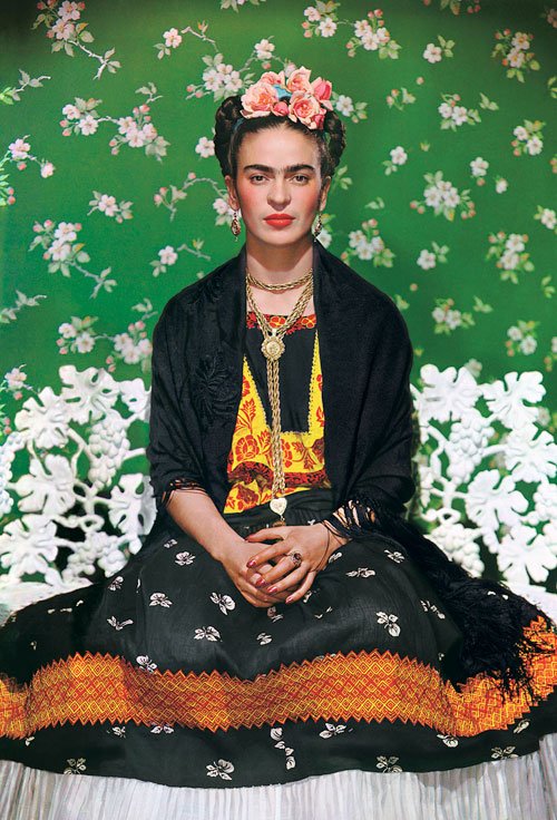 Nickolas Muray. <em>Frida on White Bench</em>, 1938. Carbro print. Photo by Nickolas Muray. © Nickolas Muray Photo Archives.
