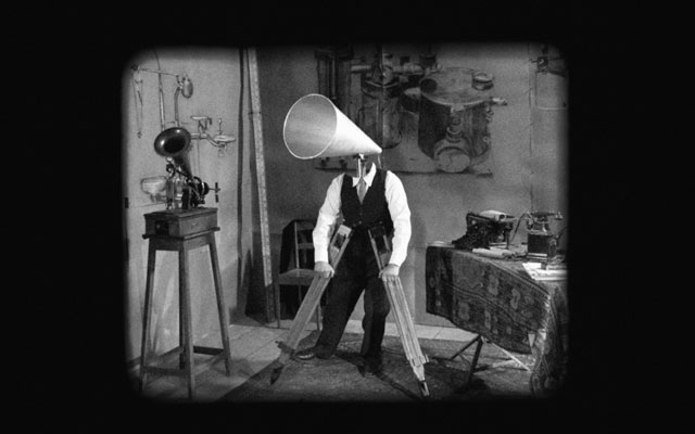 William Kentridge. O Sentimental Machine, 2015. 5-channel video installation with four megaphones, HD video, sound, 9:55 min. Courtesy William Kentridge, Marian Goodman Gallery, Goodman Gallery and Lia Rumma Gallery.