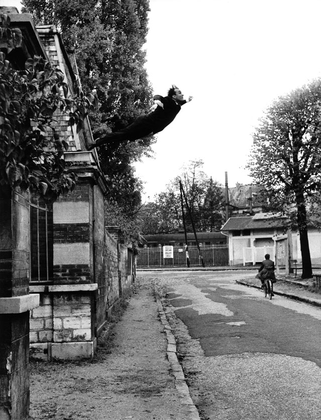 Harry Shunk and János Kender, photograph of Yves Klein, Leap Into The Void, 1960. Artistic action by Yves Klein © Yves Klein, ADAGP, Paris and DACS, London 2017. Collaboration Harry Shunk and János Kender © J. Paul Getty Trust. Getty Research Institute, Los Angeles (2014.R.20).