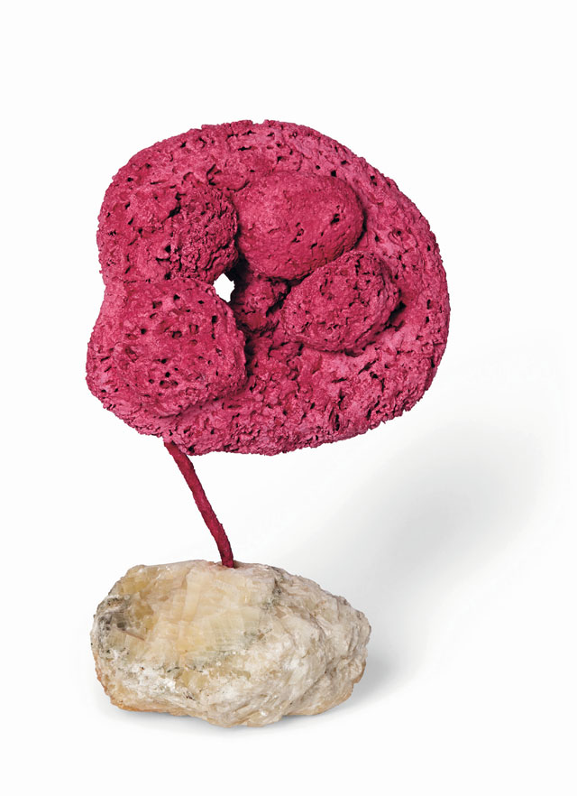 Yves Klein. Untitled pink Sponge-Sculpture (SE 207), 1959. Dry pigment and synthetic resin, natural sponge, stone, 45 x 28 cm. © Yves Klein, ADAGP, Paris/DACS, London, 2017.