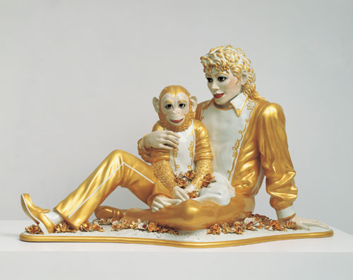 Jeff Koons. Michael Jackson and Bubbles, 1988. Porcelain; 42 x 70 1⁄2 x 32 1⁄2 in (106.7 x 179.1 x 82.6 cm). Private collection. © Jeff Koons.