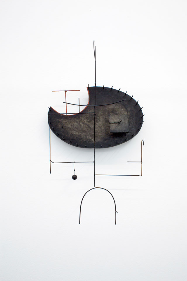Edward Krasiński. Composition in Space VIII, 1963. Acrylic paint, wood, wire, 51 x 29 x 20.5 cm. Courtesy Paulina Krasinska and Foksal Gallery Foundation, Warsaw.