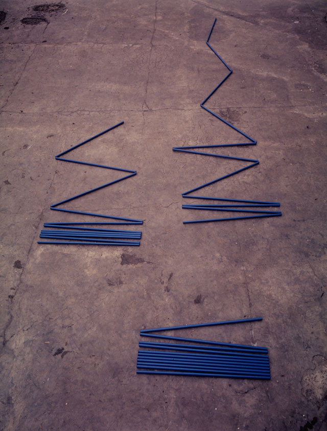 Edward Krasiński. N… (Intervention 4, Zig-Zag), c1970. Photograph: Eustachy Kossakowski. © Hanna Ptaszkowska and archive of Museum of Modern Art Warsaw, courtesy Paulina Krasinska and Foksal Gallery Foundation, Warsaw.