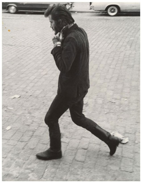 Leon Levinstein. <em>Untitled</em>, New York City, 1960s–70s. Gelatin silver print, 34.9 x 27.4 cm. The Metropolitan Museum of Art, Gift of Gary Davis, 2007.