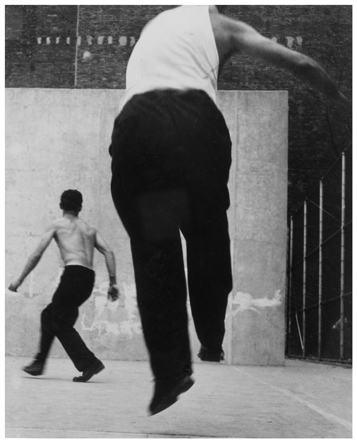 Leon Levinstein. <em>Handball Players</em>, Lower East Side, 1950s&ndash;1960s. Gelatin silver print, 32.9 x 26.4 cm. The Metropolitan Museum of Art, Purchase, The Horace W. Goldsmith Foundation Gift, through Joyce and Robert Menschel, 1987.