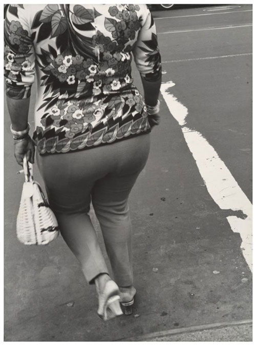 Leon Levinstein. <em>Untitled,</em> New York City, 1960s–70s. Gelatin silver print, 35.5 x 26.3 cm. The Metropolitan Museum of Art, Gift of Gary Davis, 2007.