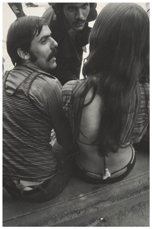 Leon Levinstein. <em>Untitled</em>, New York City, 1960s&ndash;70s.          Gelatin silver print, 34.5 x 25.8 cm.        The Metropolitan Museum of Art, Gift of Gary Davis, 2007.