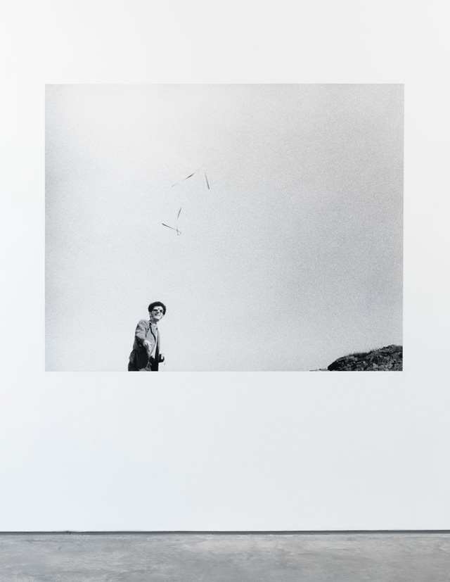 Tom Marioni. One Second Sculpture, 1969. Black and white photograph, dimensions variable.