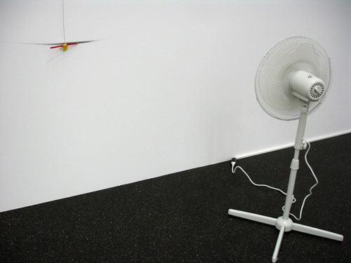 Luis Camnitzer. <em>Portrait of the artist,</em> 1991/2010. Fan, thread and pencil, dimensions variable. Daros Latinamerica Collection, Zurich.