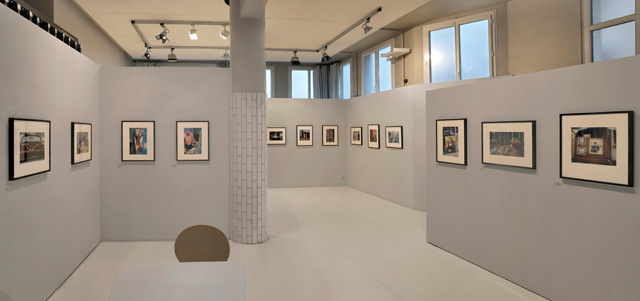 Vivian Maier: The Color Work, installation view, courtesy Les Douches la Galerie, Paris.