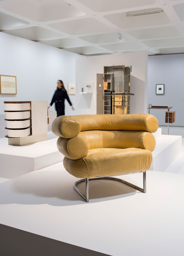 Eileen Gray and Jean Badovici. Installation view, Modern Couples: Art, Intimacy and the Avant-garde, Barbican Art Gallery, 10 October 2018 – 27 January 2019. © John Phillips / Getty Images.