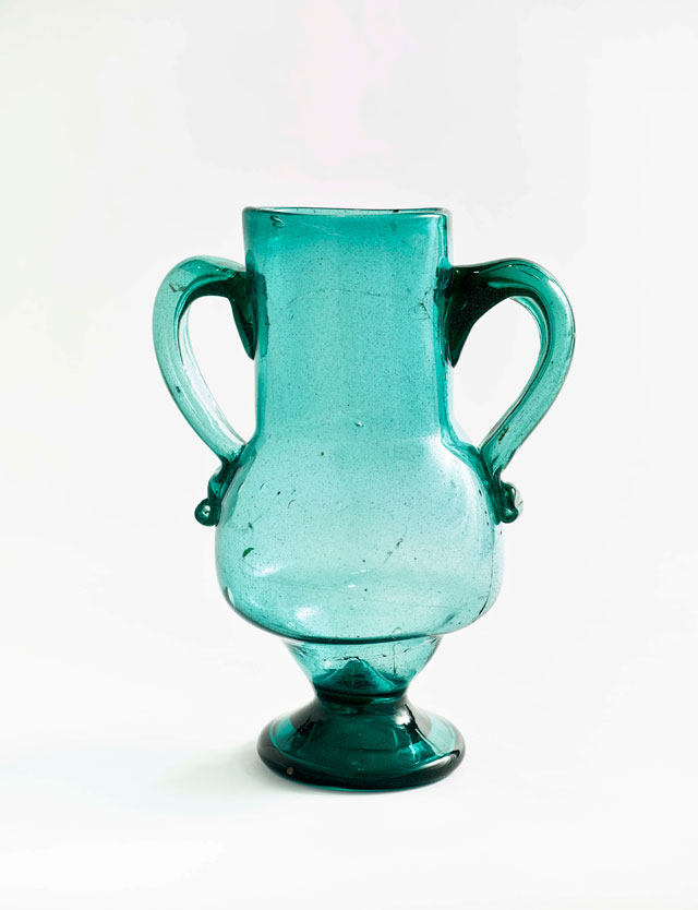 Vase, Andalusia, Spain, early 20th century. Blown glass, 28.5 x 21 cm. Former collection of Henri Matisse. Musée Matisse, Nice. Bequest of Madame Henri Matisse, 1960. Photograph © François Fernadez, Nice.