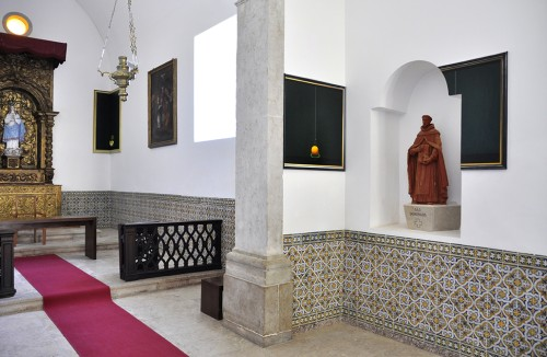 Rui Macedo. Memorabilia, 2014. Installation view: Church, Convento dos Capuchos, Caparica, Portugal. © Courtesy of the artist and Amarelonegro Gallery, Rio de Janeiro.