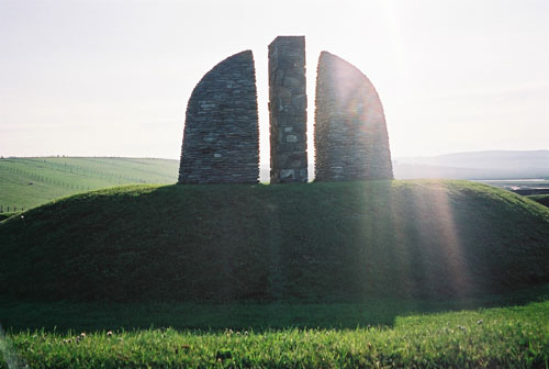 Will Maclean. Land raiders memorial, Gress Cairn, Isle of Lewis, 1994.