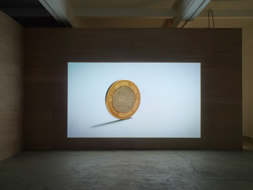 Nicholas Mangan, Ancient Lights (2015). Installation view (7), Chisenhale Gallery, 2015. Co-commissioned by Chisenhale Gallery, London and Artspace, Sydney. Courtesy the artist; Labor Mexico; Sutton Gallery, Melbourne; and Hopkinson Mossman, Auckland. Photograph: Andy Keate.