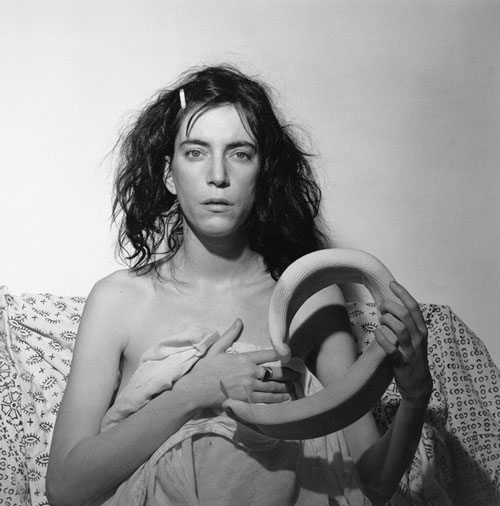 Robert Mapplethorpe. Patti Smith, 1978. Gelatin silver print, 50.8 x 40.6 cm. New York, Robert Mapplethorpe Foundation. © Robert Mapplethorpe Foundation. Used by permission.
